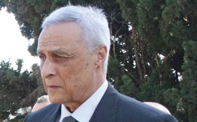 Les députés  demandent  Hosni Benslimane  au Parlement