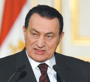 France : Hosni  Moubarak, un Egyptien sous pression à Paris