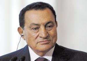 Égypte : Moubarak devra comparaître devant un tribunal du Caire