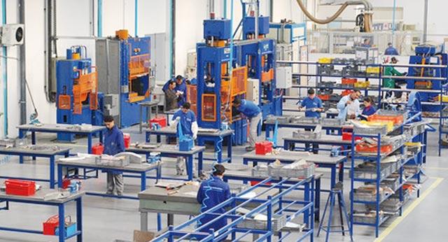 Industries  manufacturières : Hausse de 0,6% de l indice  des prix à la  production en juillet 2013