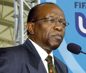 Démission de Jack Warner : L'opération nettoyage commence