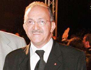 Mohamed Al Jem : «Mes enfants préfèrent que je garde ma moustache»