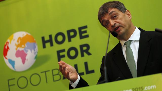 FIFA:  Jérôme Champagne annonce sa candidature pour les présidentielles 2015