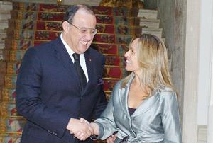 Sahara marocain : Fassi Fihri dénonce à Madrid la partialité de la presse espagnole