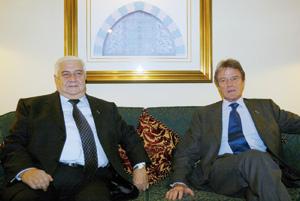 Bernard Kouchner annonce Bachar Al Assad à la table des Israéliens