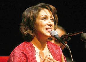 Samira Kadiri primée à Paris