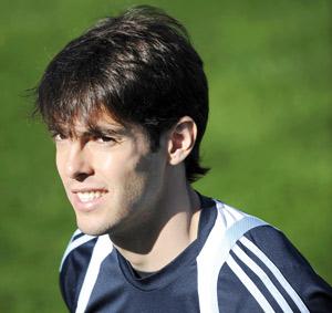 Kaka laisse le Real à un pas du Barça
