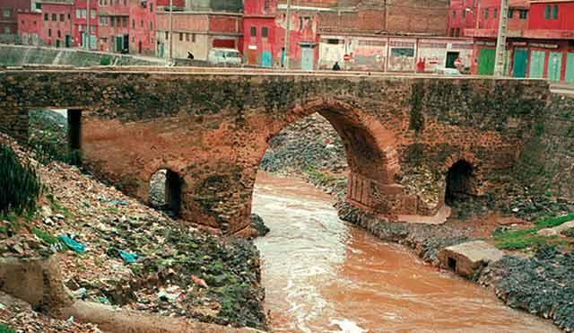 Khénifra : Le corps d'un quinquagénaire emporté par les crues repêché dans un oued à Aguelmous