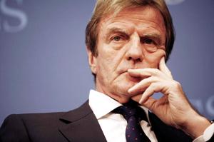Kouchner, l'humanitaire, sort de ses gonds