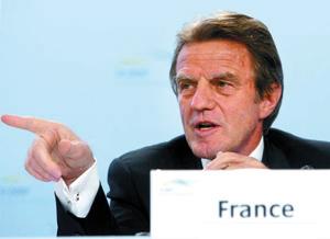 Bernard Kouchner, l'homme du départ permanent