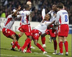 Lyon arrache sa troisième victoire