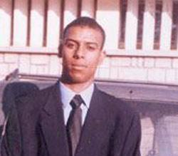 Un refoulé d'Italie poignarde un policier