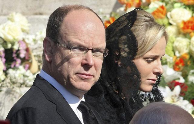 People : Le Prince Albert de Monaco en vacances à Agadir
