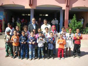 Remise de 169 paires de lunettes à des écoliers de Sidi Moumen