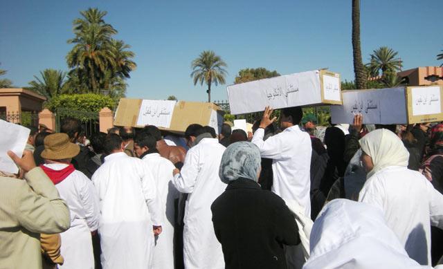 Santé et éducation en proie aux grèves