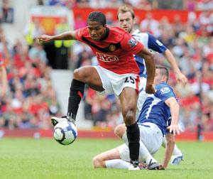 Manchester United bat Birmingham sans forcer