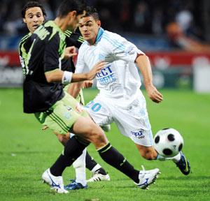 Marseille se relance face à Saint-Etienne
