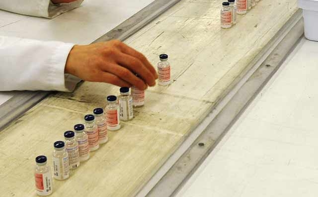 Politique pharmaceutique  : Création d une Commission consultative  du médicament et des produits de santé