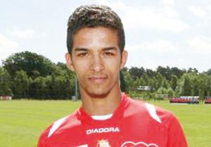 Mehdi Carcela préfère jouer pour le Maroc