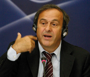 Real Madrid : Platini trouve «anormaux» les transferts records du club