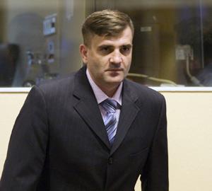 Deux Serbes accusés d'avoir assassiné 150 musulmans