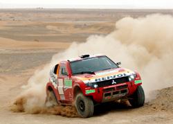 Mitsubishi : Maître du Dakar