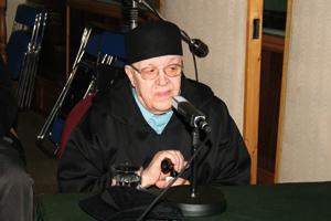 Mohamed Mezgueldi à l'honneur à la radio nationale