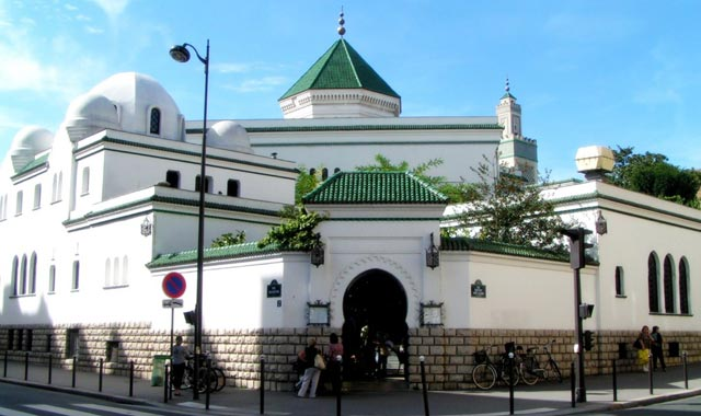 La grande mosquée de Paris profanée