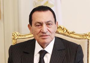Égypte : Hosni Moubarak pose en patron du gouvernement et du parti au pouvoir