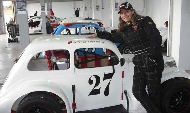 Mounia Loulidi : «Avant de devenir pilote de Legend Car, j ai officié à plusieurs reprises en tant que commissaire de piste»