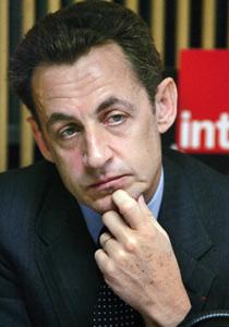 Nicolas Sarkozy perd l'UMP dans la bataille des OGM