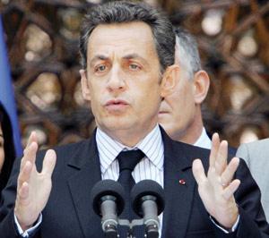 Nicolas Sarkozy raille les grèves invisibles et indolores