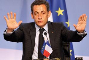Les socialistes français ruminent leur défaite face à Nicolas Sarkozy