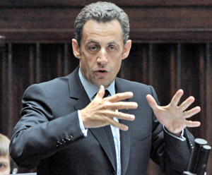 Sarkozy convoque le Parlement en session extraordinaire en septembre