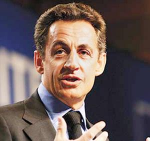 Sarkozy cède devant la grogne de sa majorité