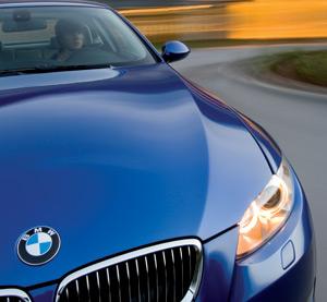 BMW toujours loin devant son concurrent Mercedes