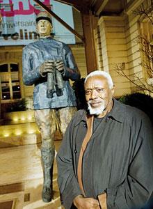 Les sculptures d'Ousmane Sow ne font pas recette