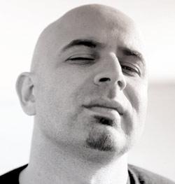 Othman Mekouar : «la scène me donne des ailes»