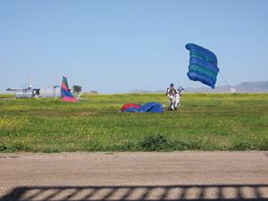 À Béni Mellal, le parachutisme a le vent en poupe