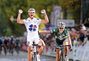 Gilbert offre un cadeau d'adieu à la Française des Jeux