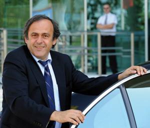 A mi-parcours, Platini garde le cap de l'éthique