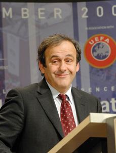 Michel Platini : «On peut le retirer à l'Ukraine»