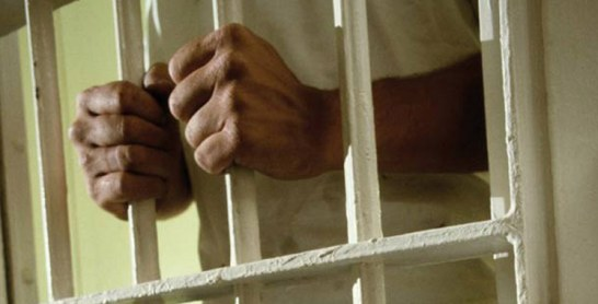 Un jeune sauve une fille et écope de 4 ans de prison ferme