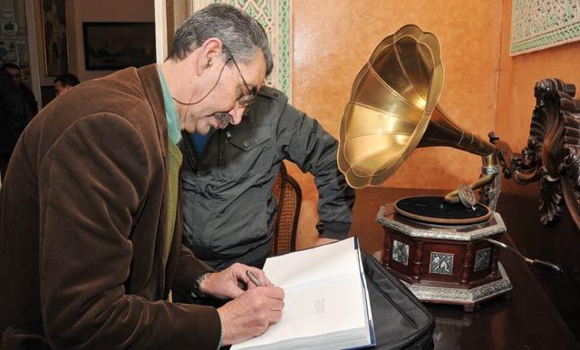 Rachid Tafersiti persiste et signe : Encore un livre sur la ville  du détroit