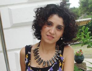 Rahima El Arroud : «Je me considère encore à mes débuts d'artiste»