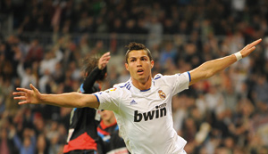 Le Real Madrid écrase Santander et reste leader
