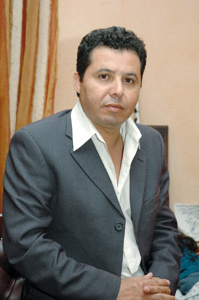 Abdelkébir Regagna : «Renforcer l'activité théâtrale au Sahara marocain»