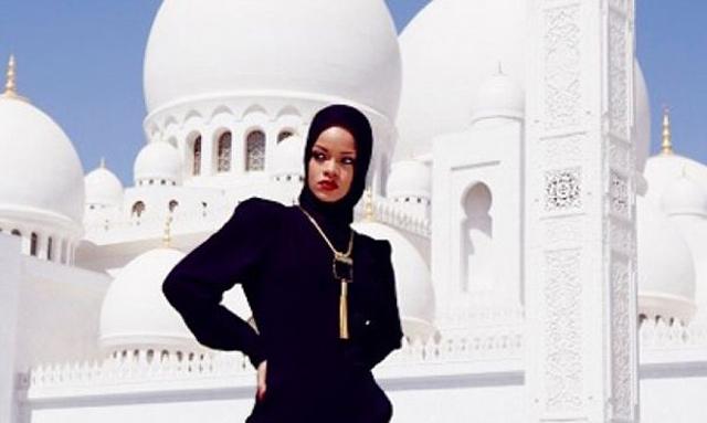 Rihanna chassée de la mosquée Cheikh Zayed, à Abu Dhabi