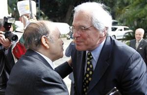 Ross appelle Bouteflika à s'engager dans la recherche d'une solution