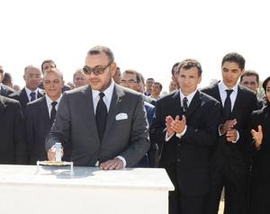 SM le Roi pose la première pierre de l'Université Internationale de Rabat